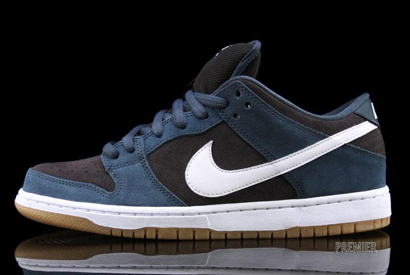Nike SB Dunk Low 'Slate Blue/White-Tar' at Premier