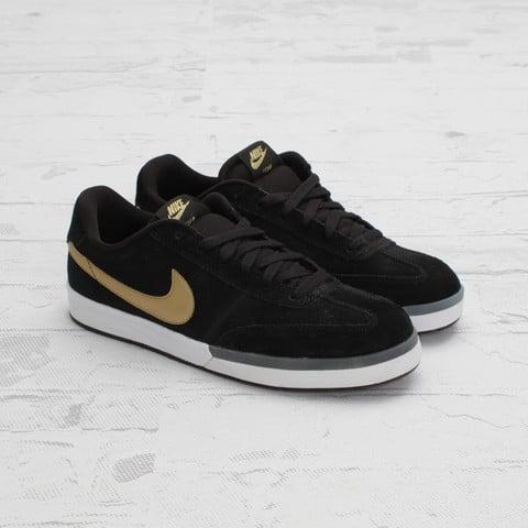 Nike SB Zoom FC x FP 'Black/Metallic Gold-White'