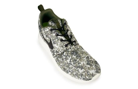 Nike WMNS Roshe Run Camo 'Medium Olive'