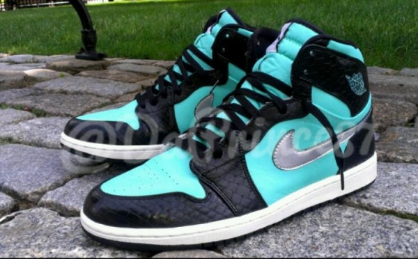 air-jordan-1-tiffany-custom-by-da-prince-customs-2
