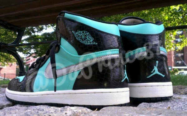 air-jordan-1-tiffany-custom-by-da-prince-customs-3