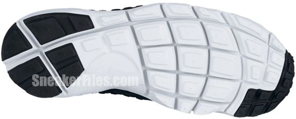 nike-air-footscape-woven-chukka-premium-qs-black-white-1