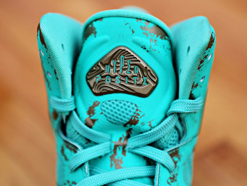 nike-air-max-hyperposite-statue-of-liberty-6