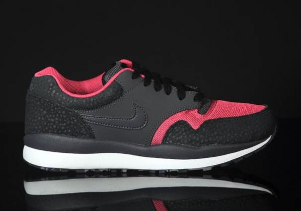 nike-air-safari-le-black-anthracite-pink-clay-white-3