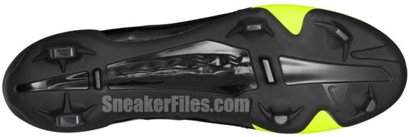 nike-gs-concept-volt-black-soccer-shoe-2