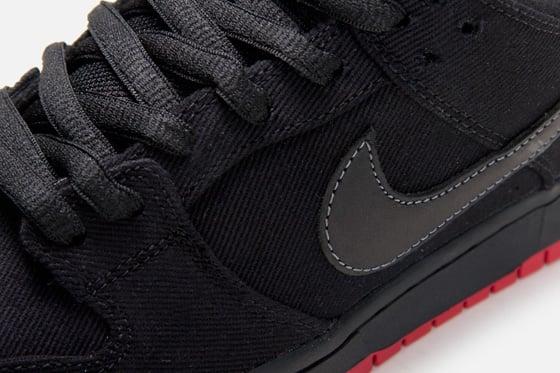 Levi's x Nike SB Dunk Low 'Black' at Atlas