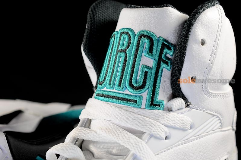 David Robinson White And Teal Shoe