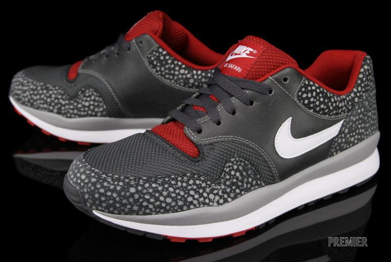 Nike Air Safari LE 'Matte Silver/White-Anthracite-Gym Red'