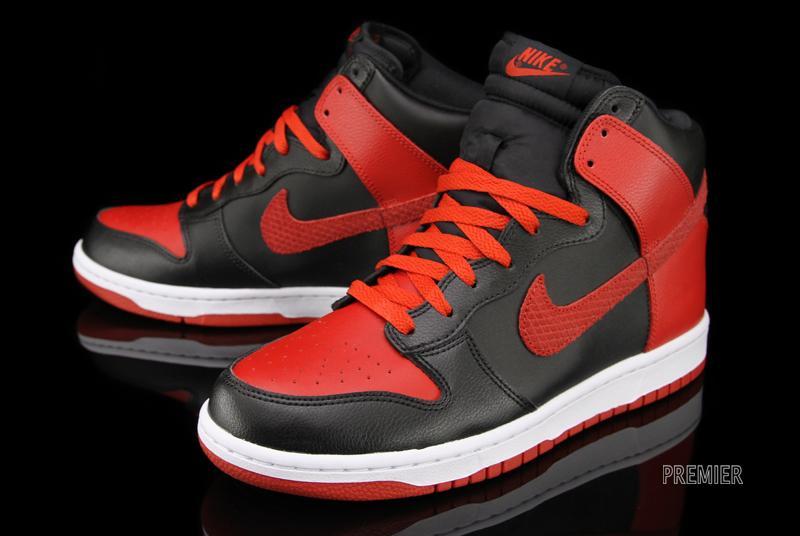 cheap for discount 2a56b 9795b nike dunk high black red