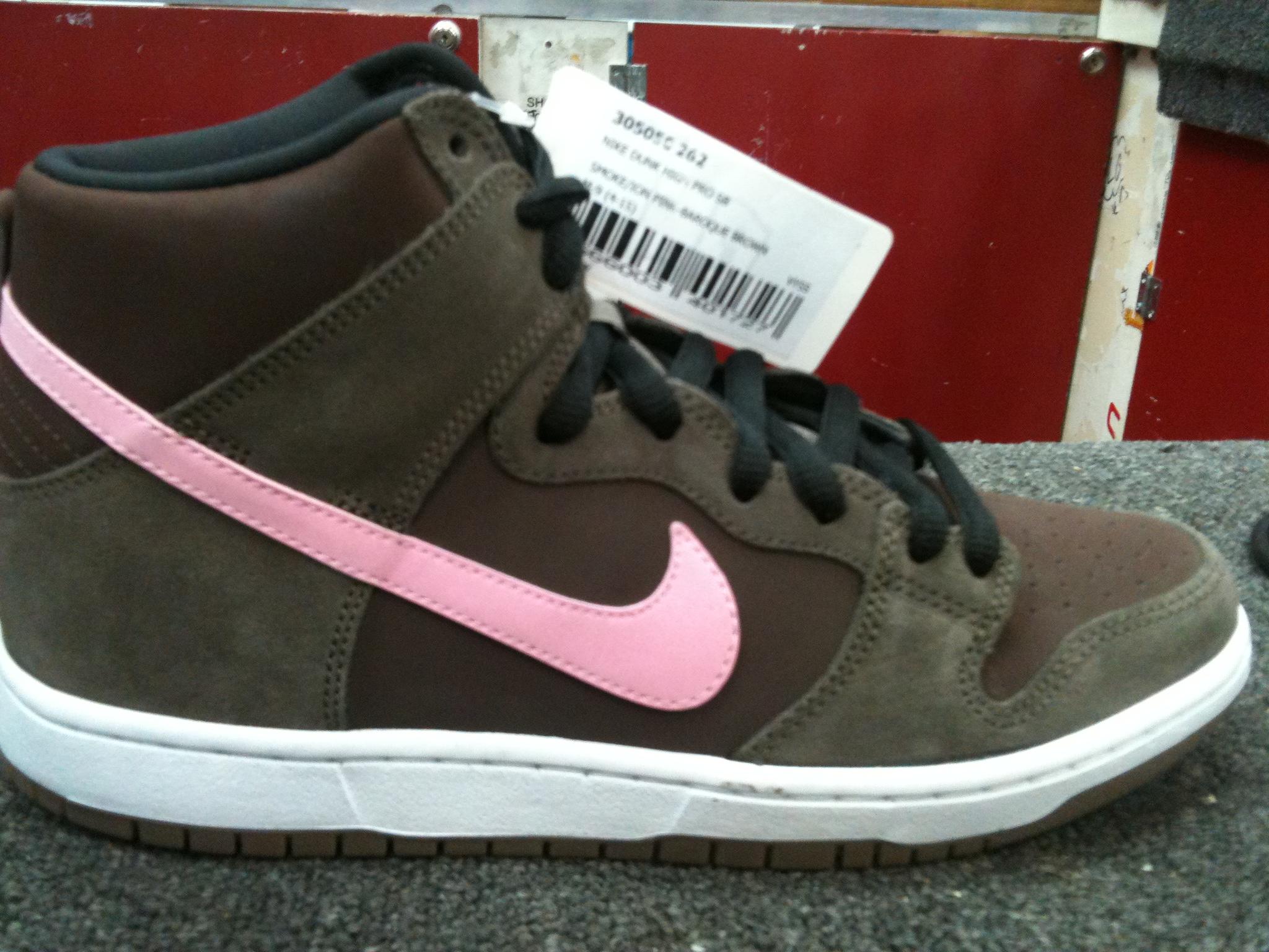Nike SB Dunk High 'Smoke/Ion Pink'