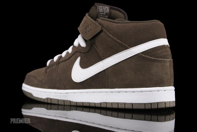 Nike SB Dunk Mid 'Baroque Brown'