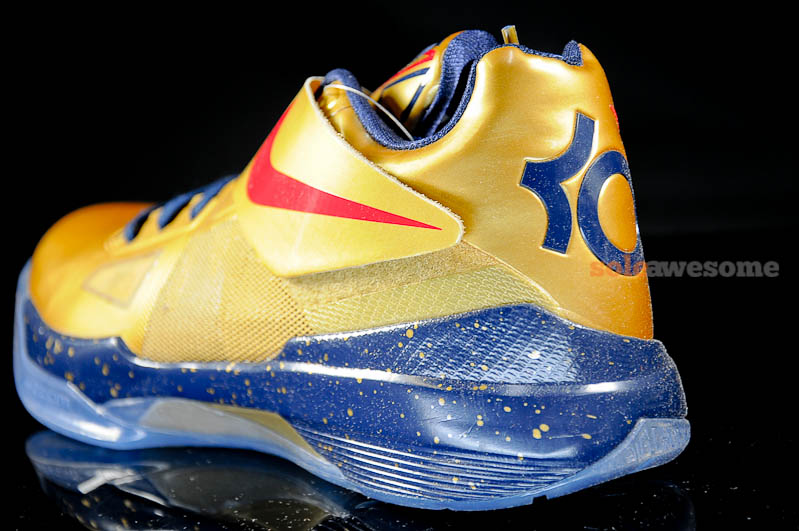 online store 57714 f32cc Nike Zoom KD IV  Gold Medal  – Detailed Look