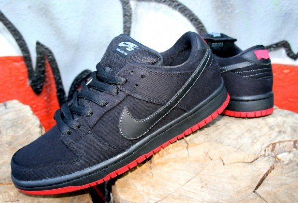 Release Reminder: Levi's x Nike SB Dunk Low 'Black' at Brooklyn Projects