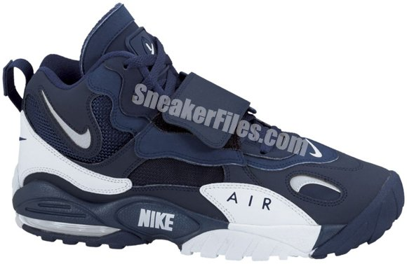 Release Reminder: Nike Air Max Speed Turf 'Dallas Cowboys'
