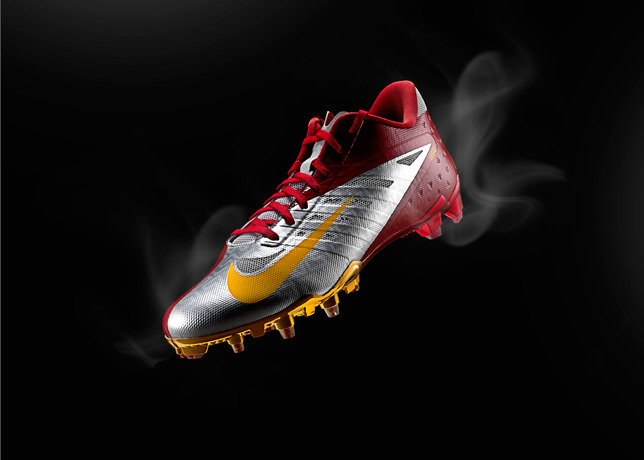 Seminoles and Trojans Kick Off College Football Season in New Nike Cleats and Gloves