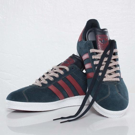 adidas-originals-gazelle-ii-navy-burgundy-7