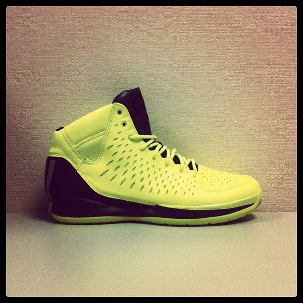 adidas-rose-3.0-electric-yellow