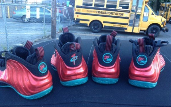 nike-air-foamposite-one-liverpool-custom-4