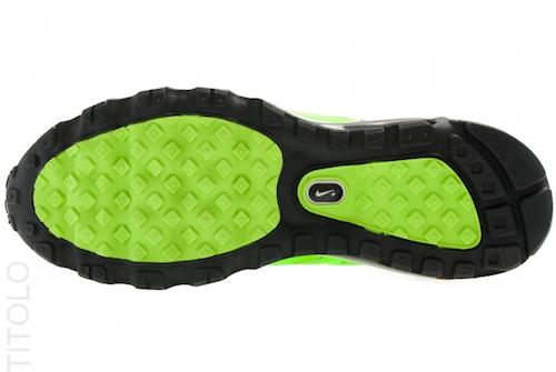 nike-air-max-2012-electric-green-black-white-3