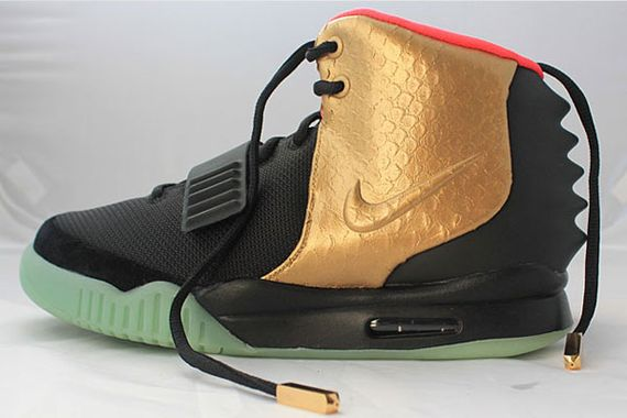 nike-air-yeezy-2-imperial-custom-by-custom-1