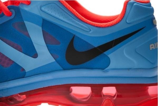 nike-wmns-air-max-2012-university-blue-black-bright-crimson-white-3