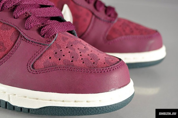 nike-wmns-dunk-high-bordeaux-sail-seaweed-3