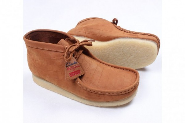 supreme-clarks-originals-wallabees-crocodile-3