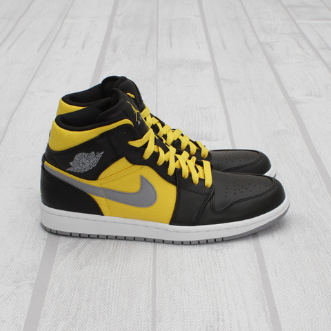 Air Jordan 1 Phat 'Thunder' at Concepts