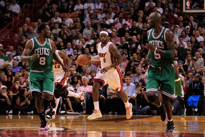 King James Debuts the Championship Edition of the Nike LeBron X (10)