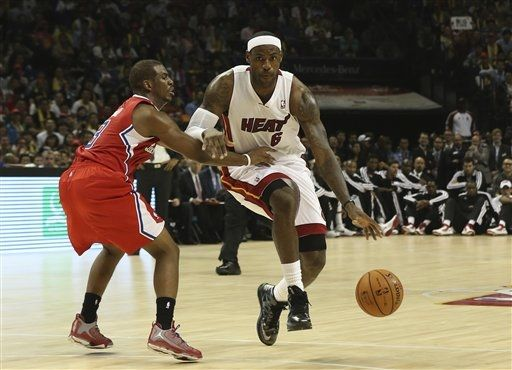 King James Dons 'Carbon' LeBron X On-Court in Shanghai