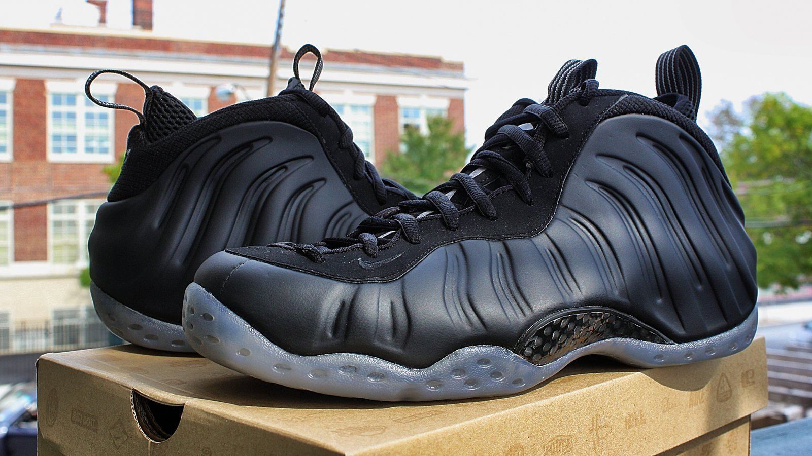 Nike Air Foamposite One 'Stealth' - Another Look