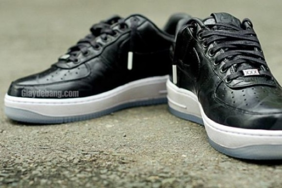 Nike Air Force 1 Low Supreme 'Black Camo'