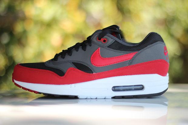 Nike Air Max 1 'Black/Grey-Red'