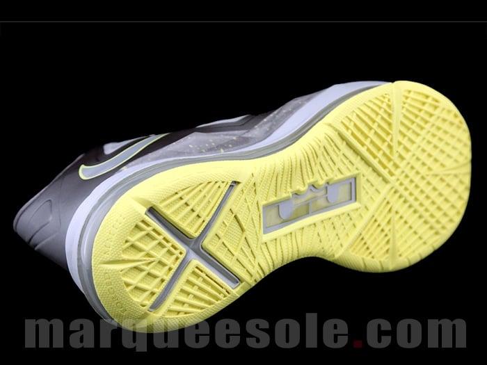 Nike LeBron X (10) 'Canary Diamond'