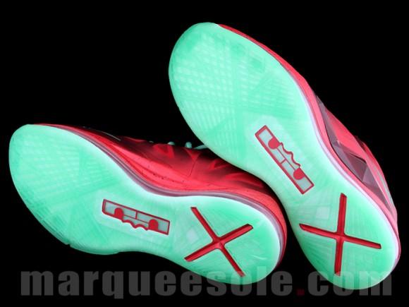 Nike LeBron X 'Christmas'