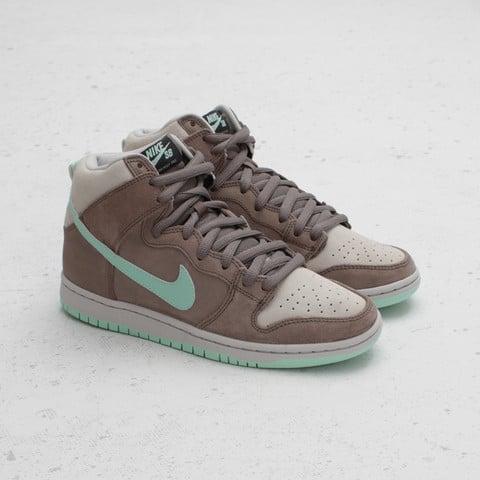 Nike SB Dunk High 'Soft Grey/Medium Mint' at Concepts