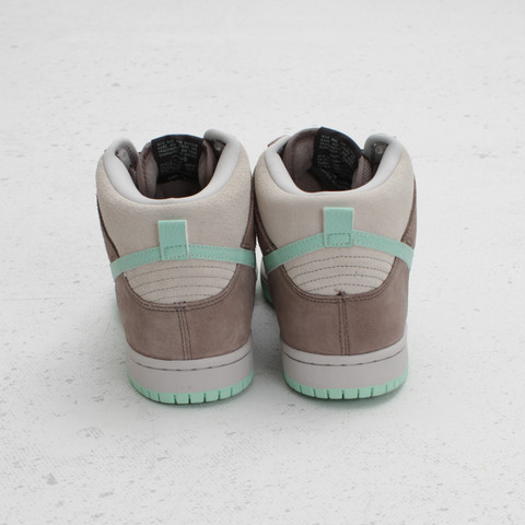 Nike SB Dunk High 'Soft Grey/Medium Mint' at Concepts
