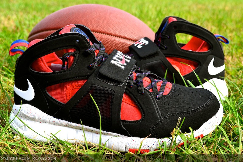 Release Reminder: Nike Huarache Free Shield NYC 'Giants'