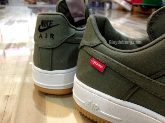 Supreme x Nike Air Force 1 Low 'Olive'