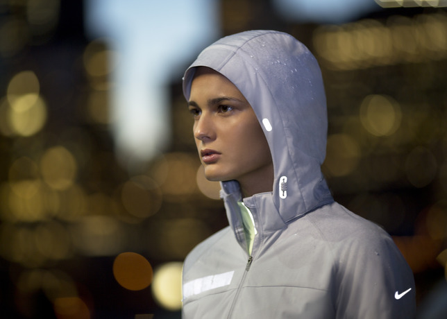 The Beautiful Run - Nike Apparel Keeps Runners Visible, Warm and Dry