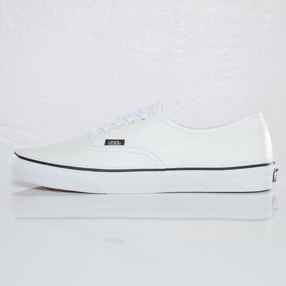 white leather vans authentics  8ed377ed0630