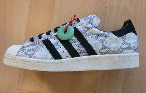 adidas-superstar-80s-chinese-new-york-year-of-the-snake-pack-3