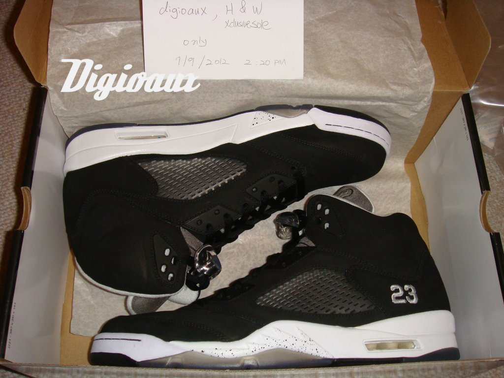 air-jordan-5-dr-doom-black-white-wear-test-sample-1
