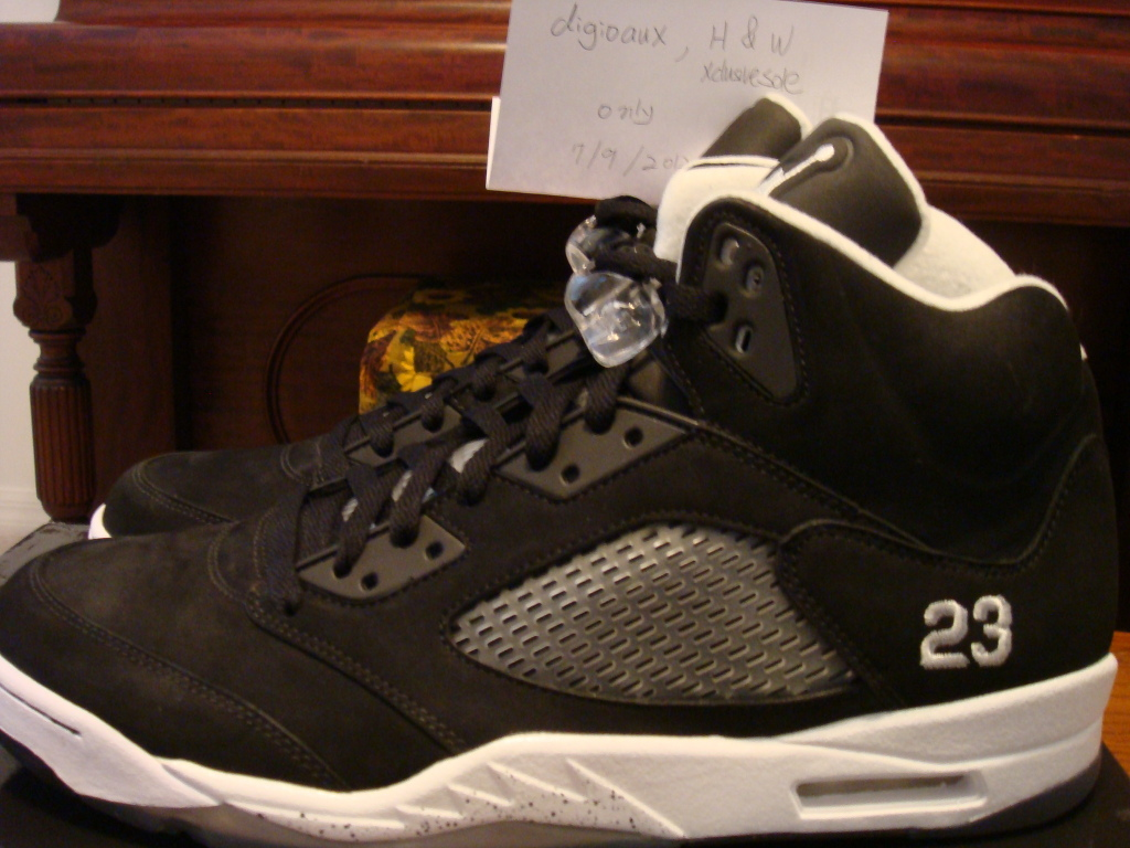 air-jordan-5-dr-doom-black-white-wear-test-sample-2