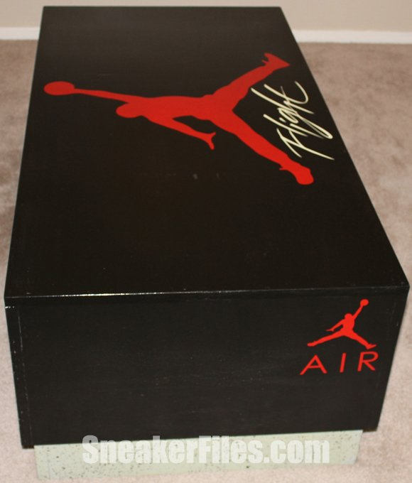 custom-air-jordan-4-box-coffee-table-1