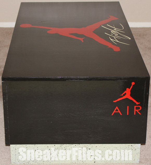 custom-air-jordan-4-box-coffee-table-3