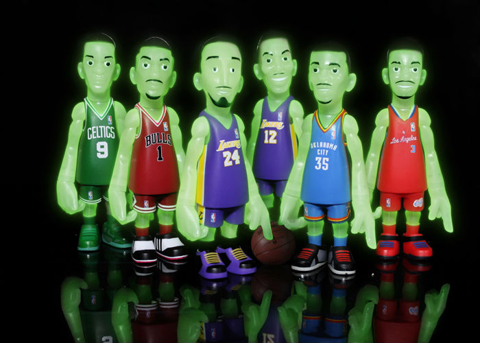 mindstyle-coolrain-nba-blog-in-the-dark-collectible-figures-1