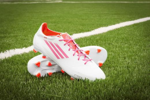 mls-stars-to-debut-mi-adidas-breast-cancer-awareness-cleats-2