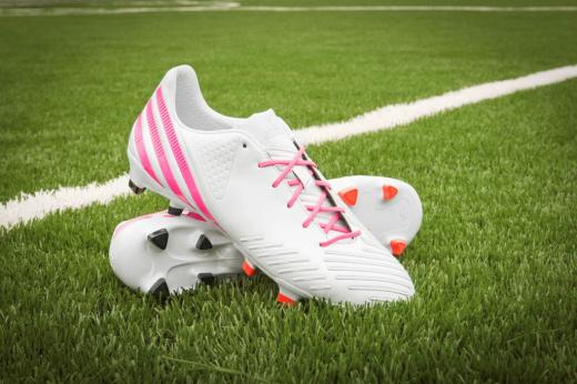 mls-stars-to-debut-mi-adidas-breast-cancer-awareness-cleats-5