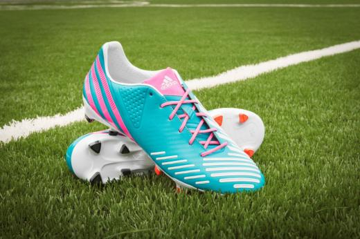 mls-stars-to-debut-mi-adidas-breast-cancer-awareness-cleats-6